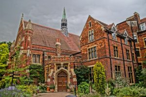 4 tips on how to succeed in an Oxbridge interview